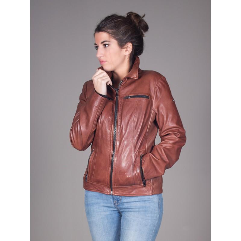 proporcionar un montón de lo último claro y distintivo Cazadora de cuero marrón.